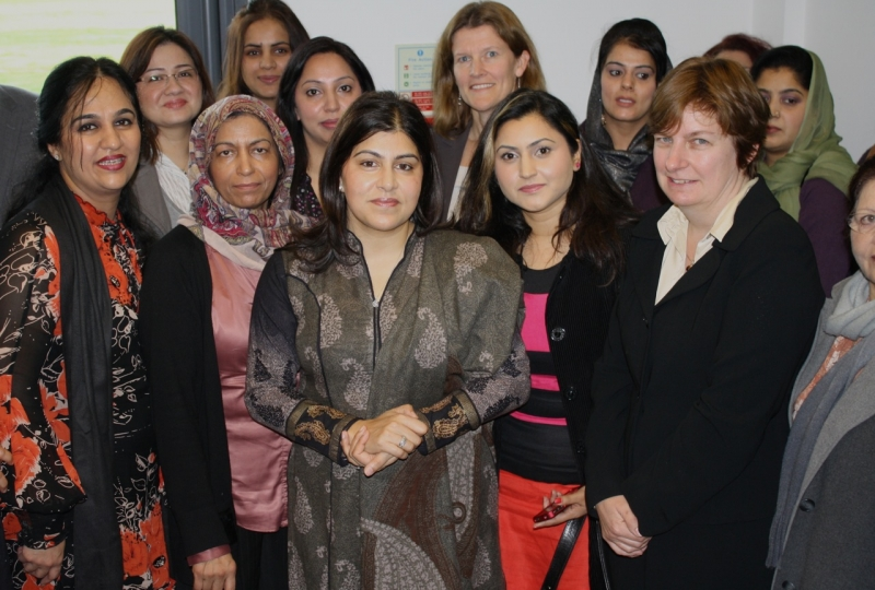 sayeeda_warsi_womens_group_reading_24.jpg